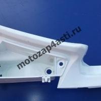 Левый пластик внутренний Бака (бардачек) Kawasaki ZZR400 II.