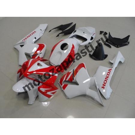 Комплект Мотопластика Honda CBR600RR 05-06 Бело-красный.