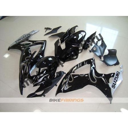 Комплекты пластика Suzuki GSXR600-750 06-07 Черный с белым огнем.