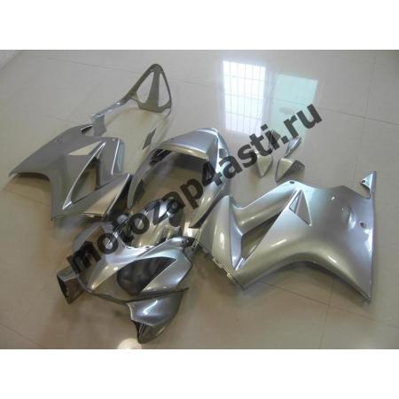 Комплект мотопластика Honda VFR800 02-12  Серебристый.